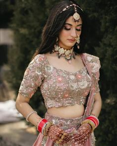 (C) Meerasakhrani   Open Hair Bridal Hairstyles   Bridal Hairstyles With Open Hair   #wittyvows #bridesofwittyvows #openhair #openhairhairstyles #sheeshpatti #hairdo Wedding Looks, Bridal Looks, Bridal Style, Intimate Wedding Ceremony, Intimate Weddings, Bridal Jewelry Sets, Bridal Hair Accessories, Bridal Jewellery, Lehenga Jewellery