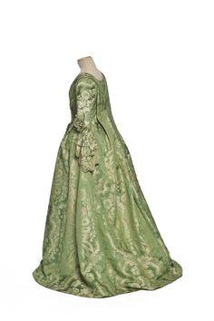 Robe à la Française, France: ca. 1740 (Louis XV era), silk satin brocade damask.