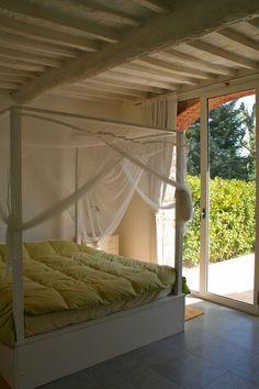 """Dormir en una casa rural en plena """"campagna"""" italiana, en la #Toscana puede ser muy asequible si realizas un intercambio de casa con esta pareja. Están a 5min de Lucca. ¡La Toscana a tu alcance! #italia"""