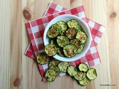 Zucchini Chips - 5 Minute Microwave Recipe or Bake in the Oven - elegant decor Microwave Recipes, Paleo Recipes, Low Carb Recipes, Cooking Recipes, Microwave Oven, Gluten Free Snacks, Healthy Snacks, Healthy Breakfasts, Protein Snacks