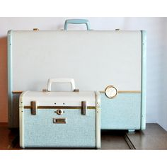Vintage Samsonite Ultralite Two Tone Luggage Set ($45) ❤ liked on Polyvore featuring bags and luggage