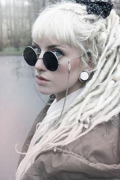 14 melhores imagens de Sunglasses   Sunglasses, Eyeglasses e Girl ... 2fd8081080