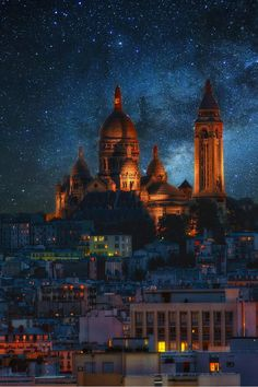 Starry sky over Montmartre, Paris  (by faula thierry)