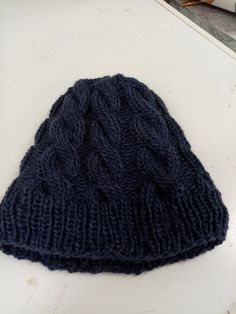 Knitted Hats, Beanie, Knitting, Fashion, Moda, Tricot, Fashion Styles, Knit Caps, Cast On Knitting