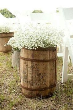 Beautiful rustic flower pot idea.