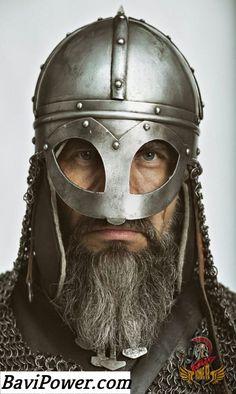 Viking helmet and nary a horn in sight! Viking Armor, Viking Helmet, Medieval Armor, Medieval Fantasy, Warrior Helmet, Armadura Medieval, Viking Reenactment, Armor Clothing, Viking Life