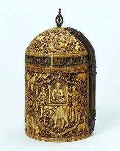 Medieval Islamic inspired Pyxis from Cordoba made of ivory