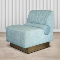 All the audacity and elegance of a singular interior, the slipper chair offers an impossible assembly. Furniture, Interior, Sofa Furniture, Chair, Contemporary Furniture, Chic Spaces, Armchair Furniture, Chairs Armchairs, Furniture Design