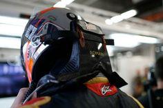 Grosjean challenges Vettel in Singapore FP3