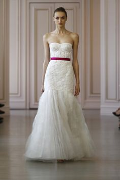 Oscar de la Renta Bridal Spring 2016 Collection Photos - Vogue