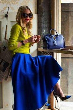 Come abbinare la borsa blu con il giallo