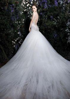 Backless Wedding Dresses: Top 10 Picks | Wedding Scribbles