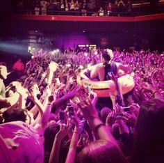 Hoodie Allen, Great Bands, St Louis, Crowd, Surfing, Celebs, Hoodies, Concert, Celebrities