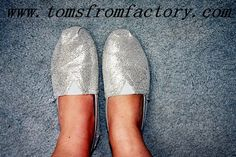 like and can't help to buying many styles of TOMS shoes. and you?