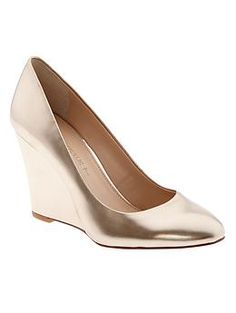 These gold wedges from @Banana Republic are a great holiday shoe.  Get 30% off with code BRDRESSED
