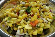 Jak namíchat hanácký bramborový salát   recept Pasta Salad, Potato Salad, Macaroni And Cheese, Potatoes, Treats, Ethnic Recipes, Food, Crab Pasta Salad, Sweet Like Candy
