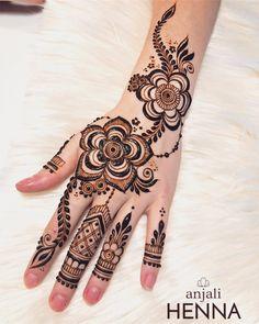Enchanting florals !!  #mehndi #indian #design #back #forhands #indianweddings #indianbride #shaadisaga #simple #easy