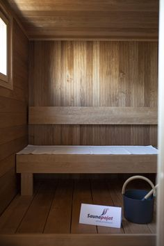 dig them vertical backer boards Bathroom Toilets, Laundry In Bathroom, Yoga Sport, Outdoor Sauna, Finnish Sauna, Spa Interior, Scandi Home, Spa Rooms, Modern Cottage