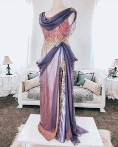 Disney Princess Dresses, Disney Dresses, Vintage Outfits, Vintage Dresses, Beautiful Costumes, Beautiful Outfits, Pretty Prom Dresses, Formal Dresses, Steampunk Dress