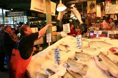 Seattle pike 39 s place fish market why i want to go here for Flying fish seattle