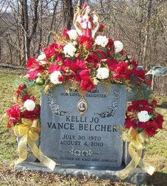Flowers for Grave Vase. Erie Landmark Company offers personalized, artisan-made bronze and aluminum plaques and vases. Grave Flowers, Cemetery Flowers, Funeral Flowers, Christmas Holidays, Christmas Crafts, Christmas Decorations, Christmas Things, Funeral Arrangements, Flower Arrangements