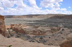 Discovering who was a leader, or even if leaders existed, from the ruins of archaeological sites is difficult, but now a team of archaeologists and biological anthropologists, using a powerful combination of radiocarbon dating and ancient DNA, have shown that a matrilineal dynasty likely ruled Pueblo Bonito in New Mexico for more than 300 years.