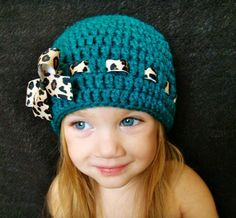 Cute crochet beanie....I am going to do this for me this year haha