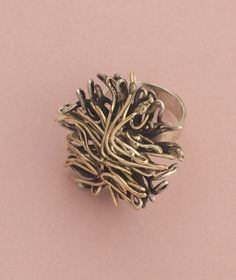 Liisa Vitali for Aatos Johannes Hauli, 'Tuulenpesä' (Wind nest) series, ring in silver and partly gilt, 1969 Old Jewelry, Jewelery, Vintage Jewelry, Jewelry Ideas, How To Dry Basil, Vintage Silver, Ring Designs, Jewelry Design, Silver Rings