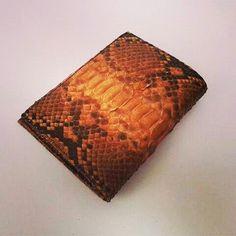 Genuine casual phyton wallet,  Www.jualtaskulit.com +6285642717764  #untuk #gift #fashion #men #exotic #etsy #wallet #leatherctaft #leatherwallet #menswallet #menwallet #dompetkulitpria #dompetpria #dompetbifold #dompet #dompetular #whiteblue