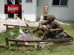 CERVEZA BUCANERO TE DICE ¿Quién fue Diego Grillo? Diego Grillo fue un famoso pirata, que llevó a cabo sangrientas batallas en América durante los siglos XVI y XVII, conocido popularmente por ser el primer pirata Cubano, pasó a la historia como el pirata negro. www.cervezasdecuba.com