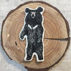 지리산 또 가고싶다 . #handembroidery#embroidery#handcraft#moonbear#bear#nature#drawing#자수#손자수#반달곰#야생동물 #실#드로잉
