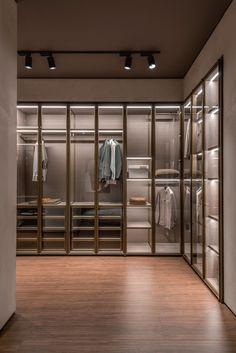 Modern Walk In Closet Designs Wardrobe Design Bedroom, Master Bedroom Closet, Bedroom Wardrobe, Dressing Room Closet, Dressing Room Design, Walk In Closet Design, Closet Designs, Modern Closet, Luxury Closet