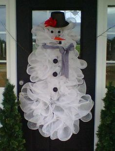 Decor: Deco mesh snowman