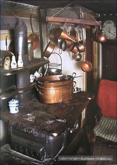 photos of Tasha Tudor's home Wood Stove Cooking, Kitchen Stove, Kitchen Decor, Kitchen Island, Kitchen Design, Kitchen Worktops, Cozy Kitchen, Kitchen Units, Kitchen Shelves
