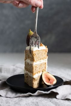 Chai Tea Apple Cake, three layers of soft apple spice sponge cake with maple cream cheese frosting, topped with fresh figs, walnuts, and a caramel drizzle. Tea Recipes, Baking Recipes, Cake Recipes, Dessert Recipes, Fall Desserts, Healthy Desserts, Just Desserts, Apple Spice Cake, Apple Cake