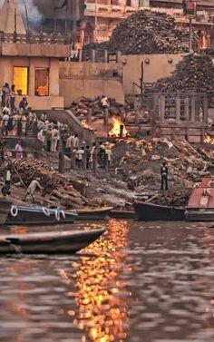 Benaras India Hindu  cremation  on the Ganga river  bank (5.10.17