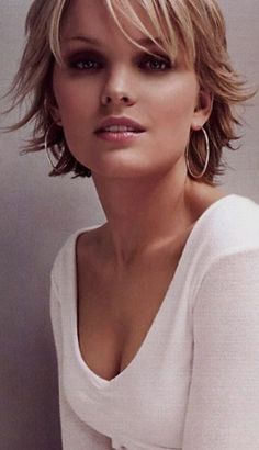 392682 pixels – All About Hairstyles Shaggy Short Hair, Short Shaggy Haircuts, Short Shag Hairstyles, Choppy Hair, Short Thin Hair, Short Hair With Layers, Messy Hairstyles, Short Hair Cuts, Short Hair Styles