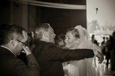 Quante emozioni si possono raccontare con uno scatto?  #wedding #weddingphoto #weddingphotography #matrimonio #cerimonia #marcobizzotto #sposa  #italianwedding #photosworld #sposo #momentiunici #weddingday #photooftheday #love #romantic #romance #marriage #yourweddingday