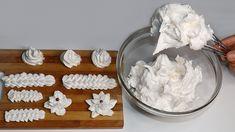 Perfektný sneh na zdobenie už nehľadajte!Tento podľa receptu z youtube výborne drží a ozdobíte ním takmer všetko.Potrebujeme:2 vaječné bielky1 pohár meduPostup:Tento biely sneh si pripravíte veľmi jednoducho.Nalejte do hrnca pohár medu, dajte ho na sporák.Za … Frosting, Icing, Arabic Dessert, Sweets Recipes, Coconut Flakes, Spices, Pudding, Breakfast, Cakes