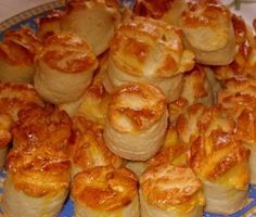 Havd no idea wat they r called though Hungarian Desserts, Hungarian Recipes, Baking And Pastry, Bread Baking, Bakery Recipes, Cooking Recipes, Savory Pastry, Salty Foods, Just Eat It