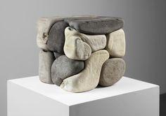 Damián Ortega organón 1, 2012 16 piezas de concreto pigmentado 32 x 30.5 x 30.5 centímetros