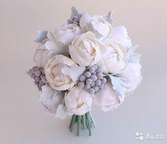 Букет невесты из пионов, серая свадьба, зимний бук