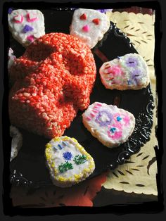 Day of the Dead rice crispy skulls, dia de los muertos