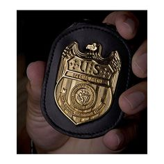 File NCIS Badge in hand.jpg ❤ liked on Polyvore featuring badge, fillers, ncis, weapons and acessorios
