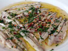 Alici marinate, antipasto fresco e veloce: i consigli e la ricetta per farle in casa