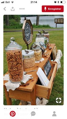 25 Fall Wedding Food Ideas Your Guests Will Love – EmmaLovesWeddings outdoor fall wedding snack bar food station Wedding Snack Bar, Candy Bar Wedding, Wedding Popcorn Bar, Wedding Cake, Wedding Food Bars, Wedding Buffet Food, Pub Wedding, Types Of Snacks, Wedding Ideas