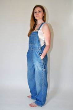 Vintage GAP Bib Overalls A Serious Must Love by Continual on Etsy Baggy Dungarees, Overalls Women, Denim Overalls, Denim Cotton, Curvy Women Fashion, Fashion Pictures, Denim Fashion, Blue Denim, Moody Blues