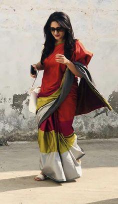 Organza Saree, Handloom Saree, Silk Sarees, Saris, Kanchipuram Saree, Silk Saree Blouse Designs, Saree Blouse Patterns, Bengali Saree, Indian Sarees