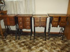 Some tables made from old sewing machines! Sewing Machine Drawers, Sewing Machine Tables, Sewing Machine Parts, Antique Sewing Machines, Sewing Tables, Sewing Cabinet, Furniture Projects, Furniture Makeover, Diy Furniture