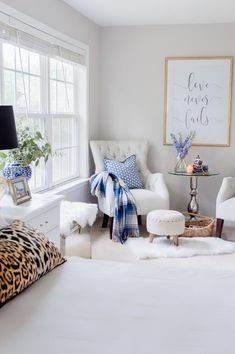 5 Easy Tips For A Cozy Master Bedroom Sitting Area - The Home I Create 5 tips on creating a cozy and welcoming seating area in your bedroom. Bedroom Nook, Bedroom Corner, Bedroom Seating, Bedroom Layouts, Master Bedroom Design, Home Decor Bedroom, Bed Room, Bedroom Furniture, Master Suite